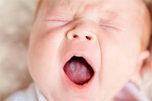 Причины и симптомы стоматита у детей